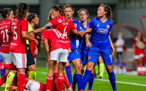 51209085 FC Twente v2