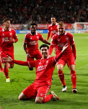 51678321 FC Twente